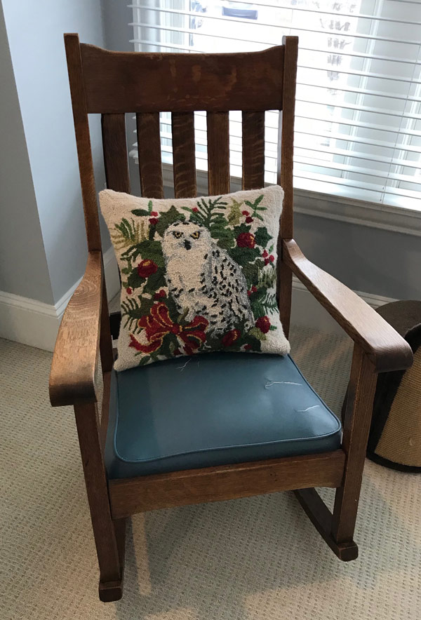 antique-chair-owl-before