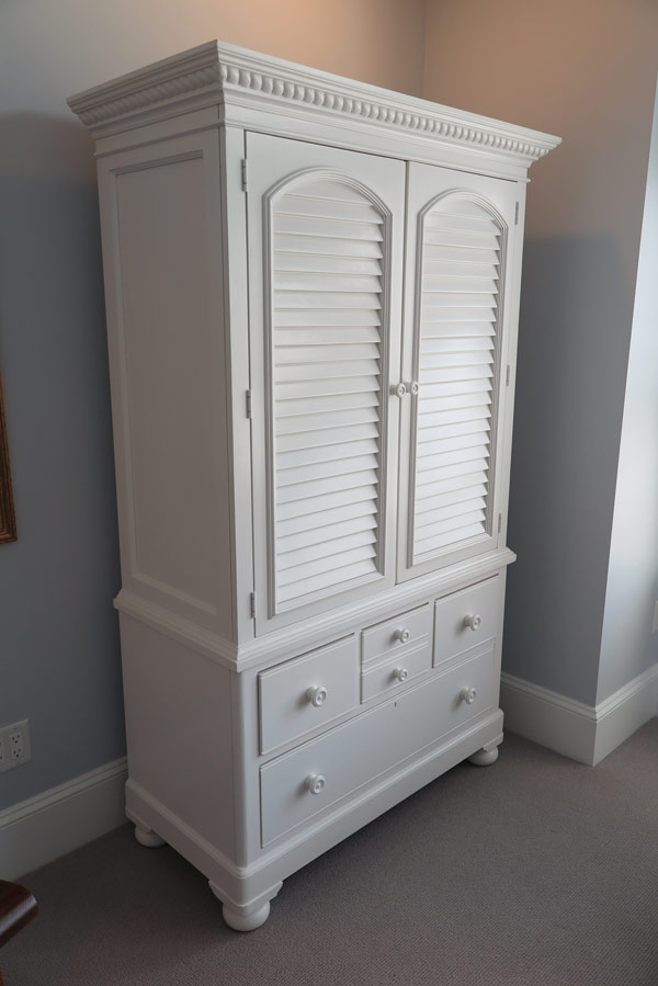 huron-wardrobe