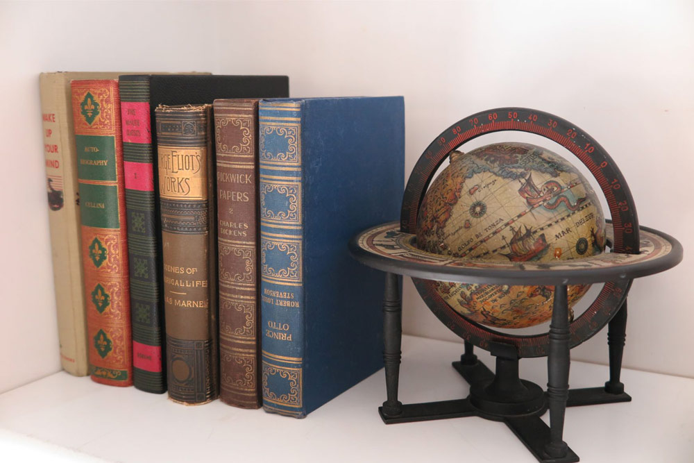 walnut-hill-books-and-globe